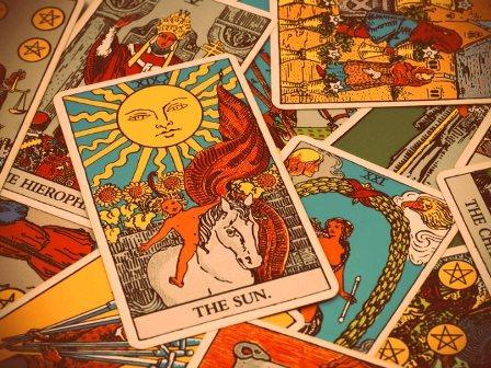 De donde proviene el tarot y datos interesantes sobre el tarot